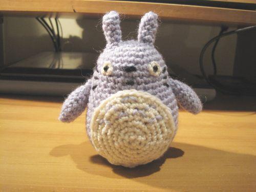 Free Sleeping Totoro amigurumi pattern – amiguruMEI | 375x500